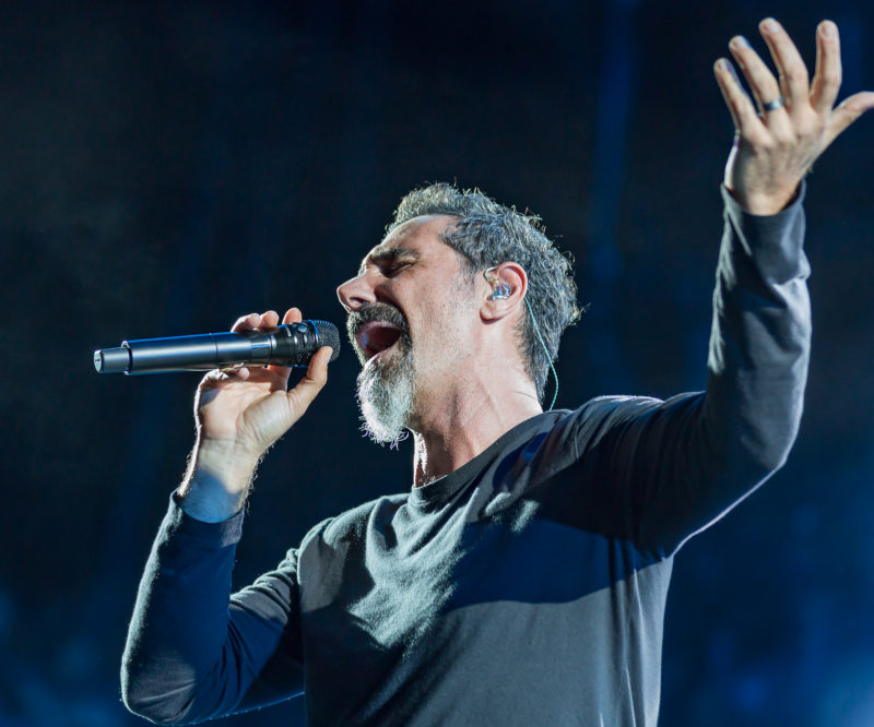 Serj Tankian Is For SYSTEM OF A DOWN Putting Out Previously Unreleased Material, Says The Rest of the Band Needs To Be Convinced