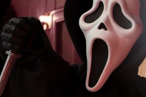 Mezco Gets Ready for the New 'Scream' Movie With Brand New 18″ Ghostface Roto Plush Doll!