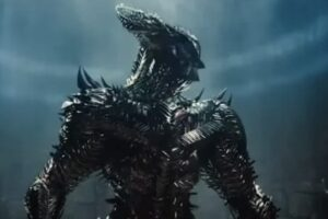 Snyder Cut Merchandise Reveals Steppenwolf's Awesome Weapon