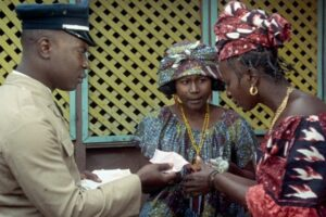 Blu-ray Review: MANDABI, Follow the Money (Order) in Criterion's Release