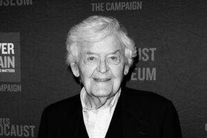 'Coming Soon: Legendary Actor Hal Holbrook Dies at Age 95'