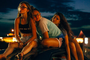 'Slash Film: 'Cusp' Review: Teen Girls Hit the Highs & Lows of Summer Love and Partying in This Candid Doc [Sundance 2021]'