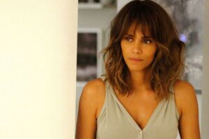 After Coming To Agreement Over Child Support With Ex, Halle Berry Shares Relaxed Swimsuit Pic