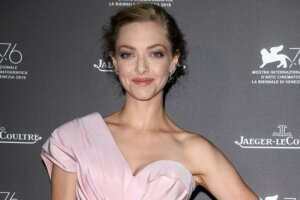 'Coming Soon: Amanda Seyfried Joining The Dropout After Kate McKinnon Exit'