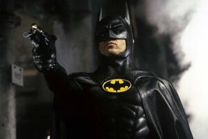 Michael Keaton Masterfully Dodges Questions About Putting The Batsuit On Again For The Flash