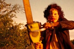 "'Slash Film: New 'Texas Chainsaw Massacre' Movie is a Direct Sequel Featuring ""Old Man Leatherface""'"