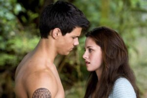 Twilight: New Moon: 8 Things That Don't Make Sense About The Vampire Sequel