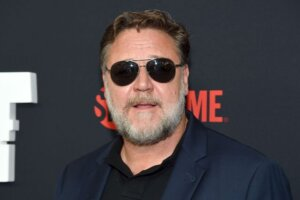 'Coming Soon: Russell Crowe Will Portray Zeus In Thor: Love and Thunder'