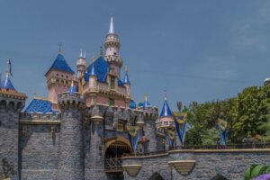 Disneyland Reopening: What To Expect Based On What's Happening At Walt Disney World