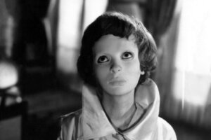 'Eyes Without a Face': Squeamishly Poetic Body Horror Even in the 21st Century
