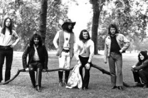 Gentle Giant release rare Italian video clip from 1972