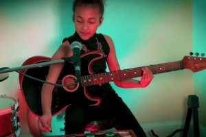Pixies give seal of approval to Nandi Bushell's cover of Where Is My Mind