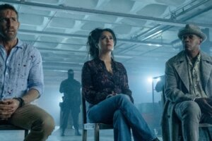 Ryan Reynolds AndSalma Hayek Run From Very Bad Men To The Tune Of Britney Spears In First Hitman's Wife's Bodyguard Trailer