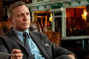 'Slash Film: 'Knives Out 2' and 'Knives Out 3' Heading to Netflix With Rian Johnson and Daniel Craig Both Returning'