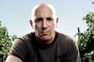"""TOOL's Maynard James Keenan """"All Good"""" After Second Case Of COVID-19"""