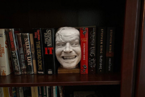 """Incredibly Cool 'The Shining' Sculpture Recreates the """"Here's Johnny"""" Moment on Your Bookshelf"""