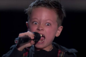 7-year-old kid nails AC/DC's Highway To Hell on Spanish TV's The Voice