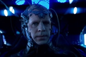 'Coming Soon: Neil Sandilands Shares His Idea for The Thinker's Return to The Flash'