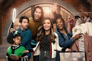 'Coming Soon: Paramount+'s iCarly Revival Gets First Teaser Trailer & Key Art'