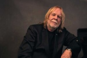Rick Wakeman honoured by The Queen and made a CBE