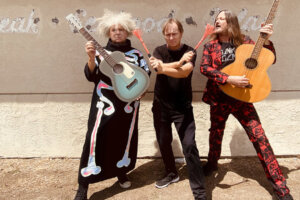 MELVINS Announce 36-Song Acoustic Covers Album Five Legged Dog