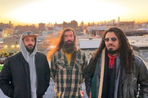 """Ride SOMNURI's """"Nefarious Wave"""" With Their Trippy New Video"""