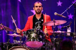 """Ringo Starr's worldwide fanbase create """"peace and love"""" video in celebration of his 81st birthday"""