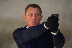 'Slash Film: 'No Time to Die' Teaser Offers a New Glimpse of Daniel Craig Back in Action'