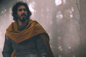 'Slash Film: 'The Green Knight' Review: A Mesmerizing, Sexy Epic That Feels Unlike Anything You've Seen Before'