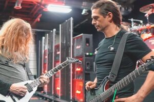 """MEGADETH Posts Behind-The-Scenes Look Rehearsing """"Symphony of Destruction,"""" """"Hangar 18,"""" and """"Conquer or Die"""""""