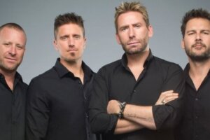 """NICKELBACK Responds To """"Rockstar"""" Plagiarism Lawsuit, Claims The Two Songs Sound Nothing Alike"""