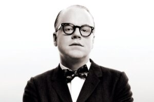 """'Slash Film: The Daily Stream: In Capote, The Late, Great Philip Seymour Hoffman Gives New Meaning To The Phrase 'In Cold Blood"""""""