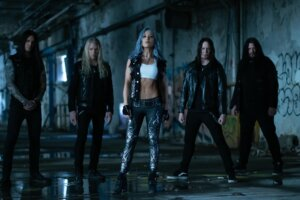 """ARCH ENEMY Returns With Heavy New Song """"Deceiver, Deceiver"""""""