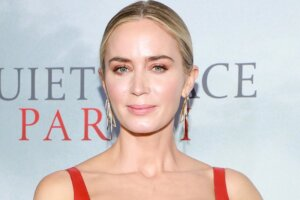 'Coming Soon: Emily Blunt in Talks to Join Christopher Nolan's Oppenheimer Biopic'
