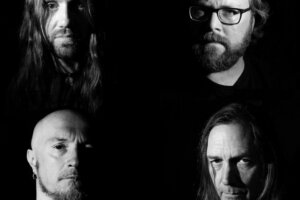 Doomed Nation – Apostle Of Solitude premiere the first single »Apathy In Isolation« taken from their upcoming album »Until The Darkness Goes«