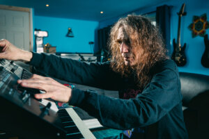 Ozric Tentacles collect first four official albums in new seven-disc set