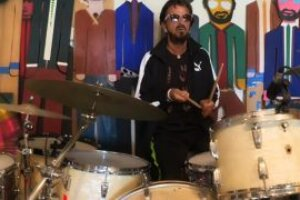 Ringo Starr teams up with Nandi Bushell, Chad Smith and more to perform Come Together