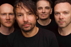 """The Pineapple Thief release live video for """"special"""" Someone Pull Me Out Of Here"""